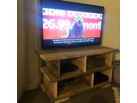 Scaffold tv unit