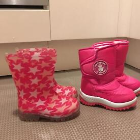 Girls light up wellies with stars