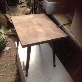 Retro 70 s coffee table for refinishing 49 cm long x 39 cm wide x 41.5 cm high