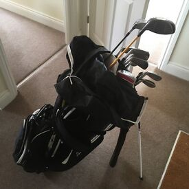 Titleist golf clubs and Nike carry bag WORTH OVER £1000
