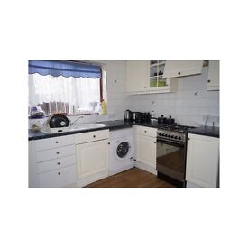Single bedroom in lovely house close to town centre