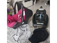 Maxi cosi with accessories