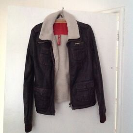 Leather jacket from Superdry. Only worn once. Medium. Perfect for this time of year with fur collar.