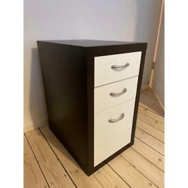 Desk drawers (free)
