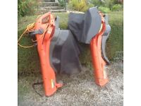 Flymo garden vac. With spare skirt. Good condition