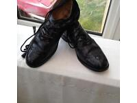 Gents Highland Brogues Size 8