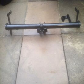 BARGAIN TOW BAR FOR CITROEN C4 PICASSO LIKE NEW. THIS IS THE CHEAPEST ON THE NET