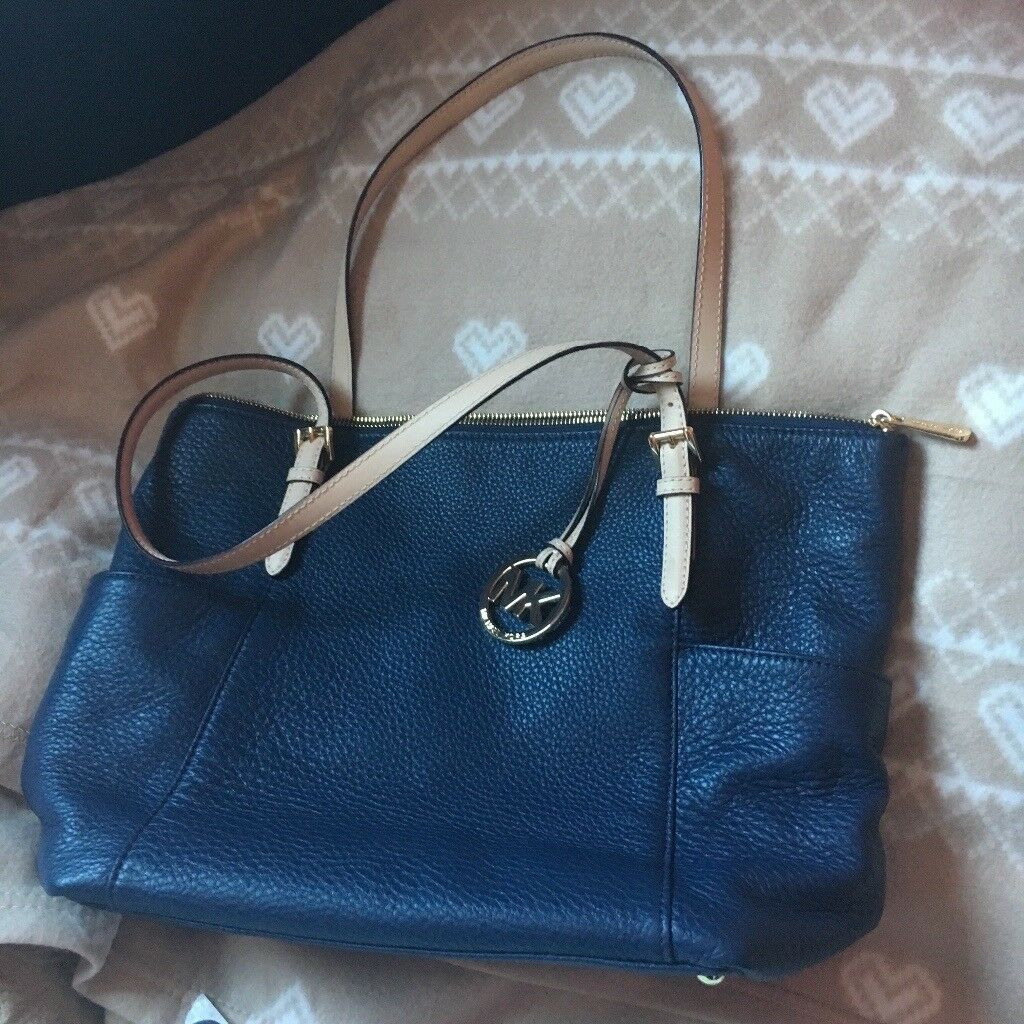 Michael Korrs Navy handbag   in Bury St Edmunds, Suffolk   Gumtree bbf56e810a