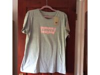LADIES LEVI'S T SHIRT - BRAND NEW WITH TAGS - SIZE XL