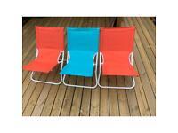 Used sun-bathing chairs