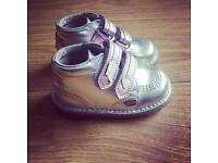 Silver Kicker boots Infant size 7