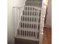 Dreambaby extra tall gate with extensions bars