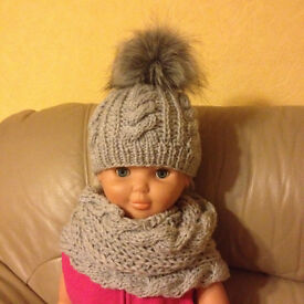Hand made hat+scarf GIRL 2-3 years