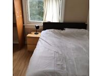 studio/one bed flat to let @ SE25 5AG one min walk norwood junction station zone 4 available now!!!