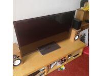 Panasonic TX-L47ET5B LCD HD 3D TV