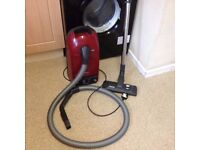 MIELE 251i AIR CLEAN VACUUM CLEANER ALL ACCESSORIES AND NEW BAGS V.G.C. VERY LIGHT USE ONLY