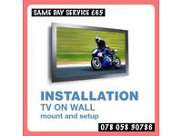 Tv on wall mounting bracket