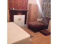 87 per week double room available in 212 dallow road