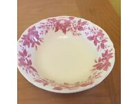 Salad bowl in pink and cream