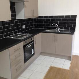 Amazing, spacious 1 bed self contained ground floor flat. Suit Contractor. All bills Inc.