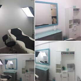 Room for rent part-time for teeth-whitening etc