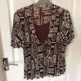 Blouse, top, brown with V piece.