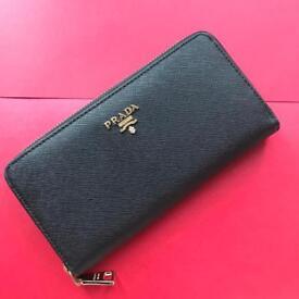 Black leather purse saffiano zip