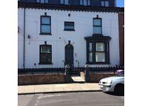 2 bed top floor flat- kensington L6- View now!