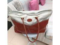 Tangaroa Terrida very large ALL LEATHER Weekender / shoulder bag.