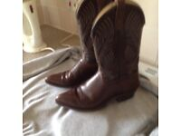 Cowboy boots 100% leather , bought in Texas, size 9,top of range stitch design £50 very rarely worn