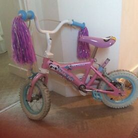 First Girls bike in very good condition