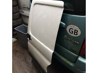 Citroen Berlingo 2007 side loading door