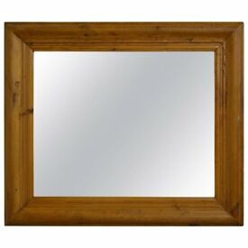 PINE MIRROR IN A BEAUTIFUL CHUNKY PINE STYLE FRAME IDEAL FOR LIVING ROOM, HALL,OR ANY BEDROOM