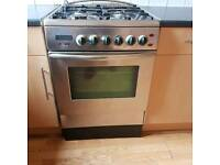 Good condition 4 gas cooker.