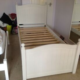 SIngle bed frame and headboard white wooden, top quality.