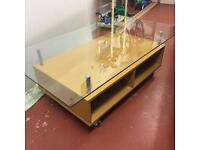 Portable coffee table Heavy duty thick tempered glass fantastic clean cond storage in underside