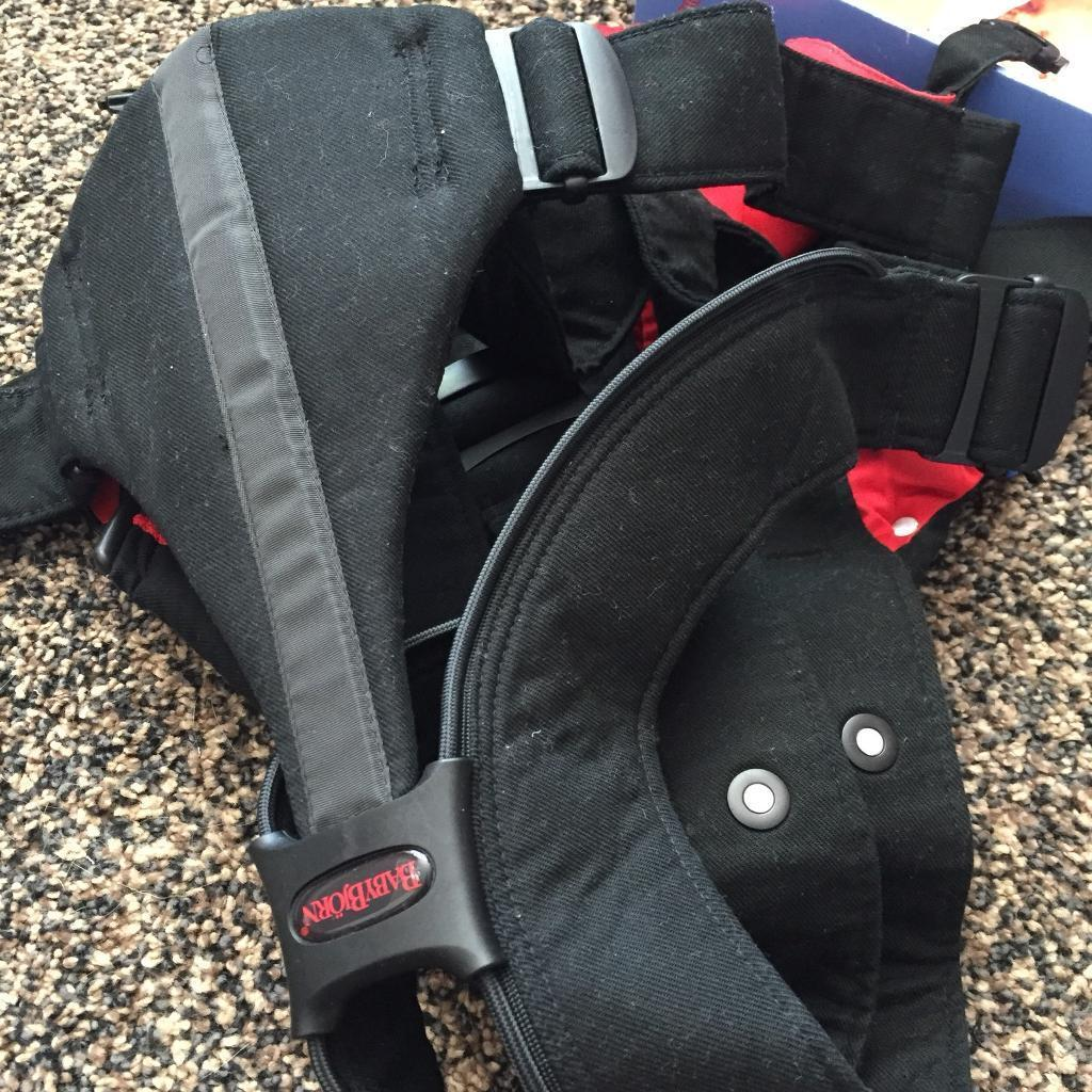 0965ecdf34b Baby Bjorn baby carrier  Active  in black and red