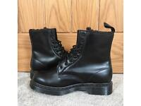 BRAND NEW - Dr Martens Boots - UK6