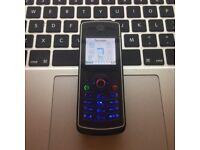 Perfect & RARE Unlocked Motorola W180 RETRO Mobile Phone in Black + Charger + Sim Card