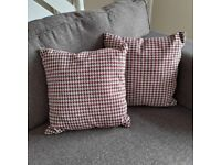 Red and brown dogtooth cushions x4