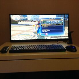 gaming pc with 2k monitor and key board and mouse