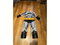 Halloween 5-6 yr padded chest Batman costume & cape