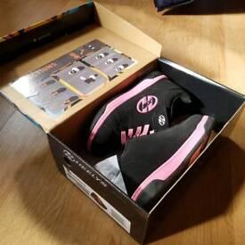 Heelys girls roller shoes size 3