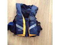 2 kru sports pro life jacket