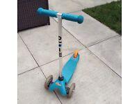 Micro Mini Scooter in Aqua - AMAZING Condition