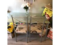 table/chairs