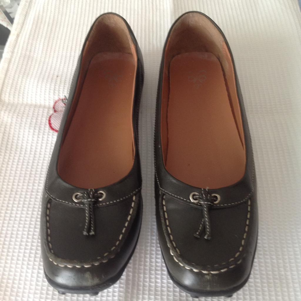Smart shoes size 7