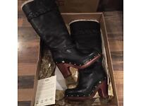 WOMENS BLACK LEATHER TALL UGG BOOTS SIZE 3