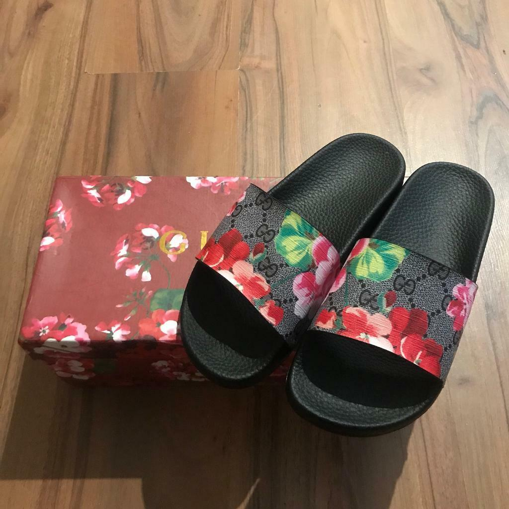 64280bbb5c5 Gucci Bloom AA Look Slider Sandals Size 4