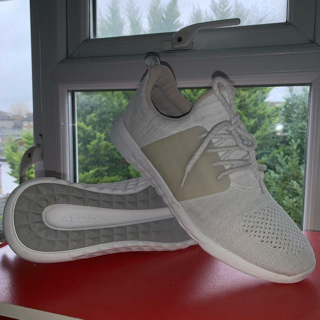 Running shoes   in Swindon, Wiltshire